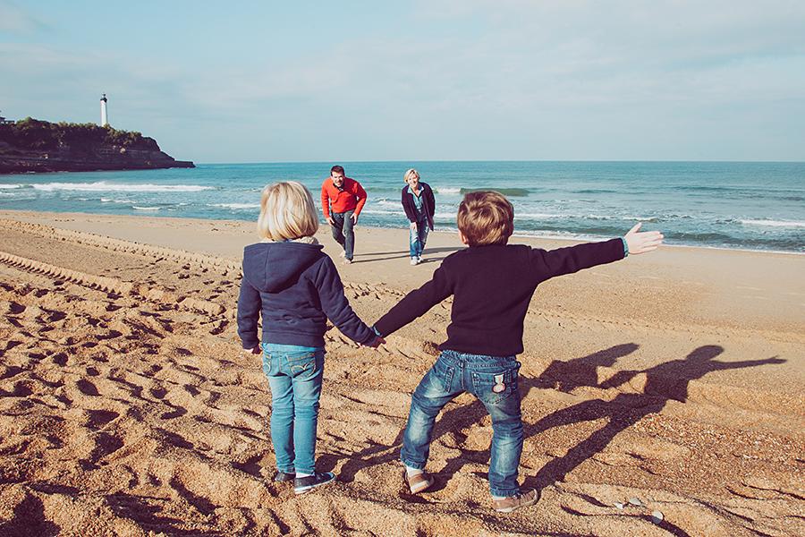 Isabelle-Pale-Photographe_Anglet-Biarritz-seance-photos-famille-plage-souvenirs_06