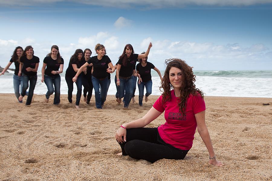Isabelle-Pale-photographe-evjf-seance-photos-copines-côte-basque-Biarritz-Anglet-Bayonne-plage-mariniere-fun_01
