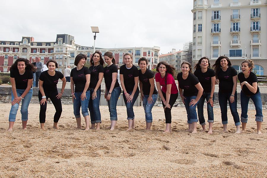 Isabelle-Pale-photographe-evjf-seance-photos-copines-côte-basque-Biarritz-Anglet-Bayonne-plage-mariniere-fun_05
