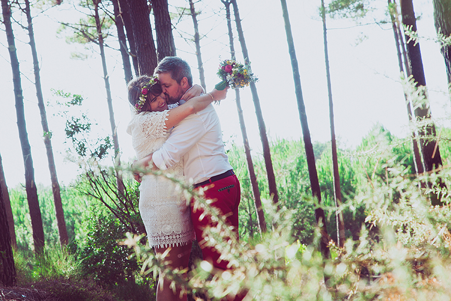 isabelle-pale-photo_reportage-mariage-landes-cote-basque-pins-mehari-retro_02