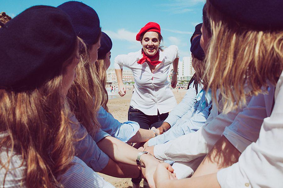 Isabelle-PALE-photographe_seance-photos-EVJF-Biarritz-Anglet-Bayonne-Pays-basque-fun-plage-delire-filles_011
