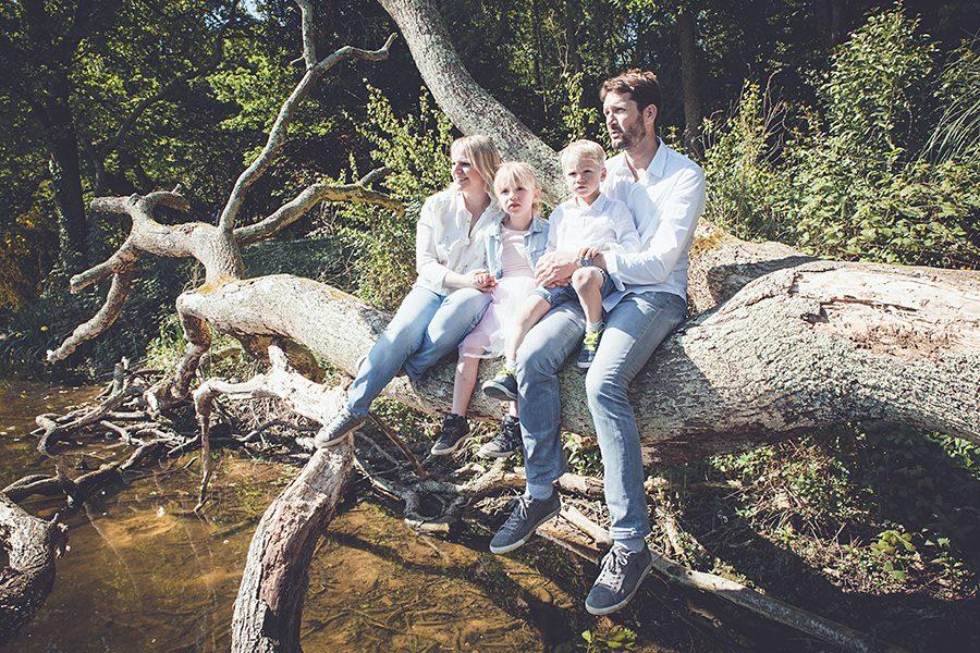 Isabelle-Pale-photographe-seance-photos-famille-exterieur-nature-lifestyle-pays-basque-cote-basque-Biarritz-lac-marion-Anglet_018