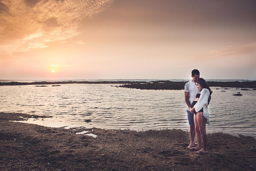 Isabelle-Pale-photographe-anglet-seance-photos-grossesse-femme-enceinte-couple-pays-basque-guethary-biarritz-lifestyle-plage-basque_0018